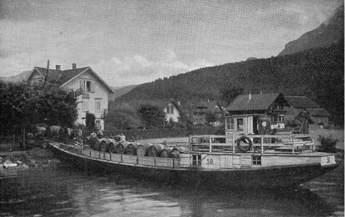 Nauen Bruno, SZ 38 im Föhnhafen in Brunnen. Foto von Rolf Gwerder bzw. Archiv Verkehrshaus der Schweiz, Luzern