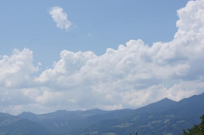 Die hohe Luftfeuchtigkeit macht sich durch Ausbreitungen bemerkbar
