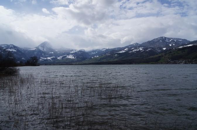 Der See ist nur leicht bewegt
