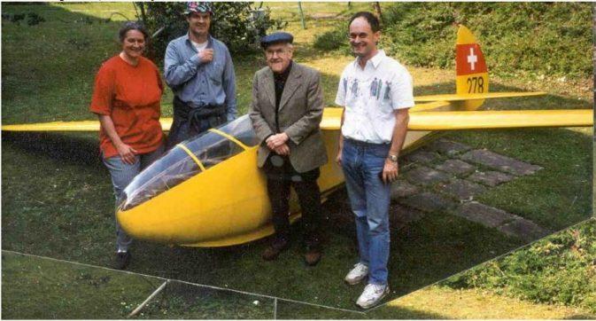 Elfe P1, auf dem Bild (vom 13.03.2000 © Herbert Röthlisberger) von links nach rechts: Frau Gysi, Karl Gysi, Rudolf Sägesser der Erbauer, Hans Gysi