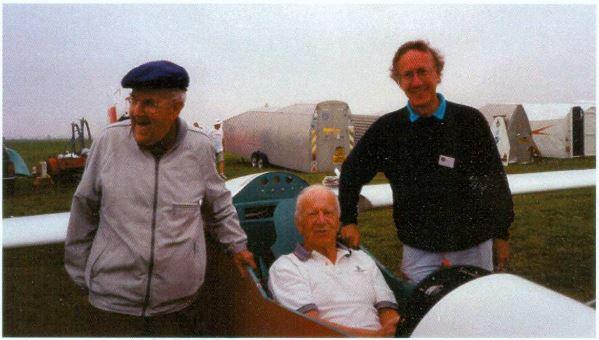Ruedi Sägesser, Rene Comte im Cockpit der Elfe PM 3 und Graham McLean